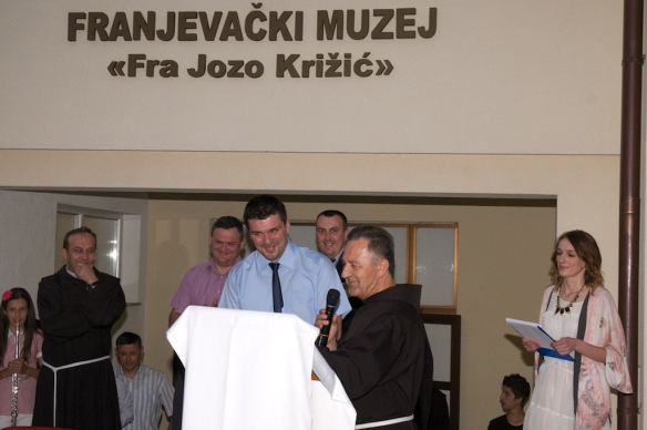 Prigodni govor gvardijana fra Ante Pranjića i predstavljanje kustosa arheologa Stipana Dilbera