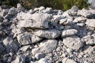 Primjer zidanja amorfnim stijenama, južni bedem gradinsko naselje V.Žuželj