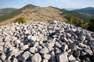 Pogled sa južnog bastiona ka jugu, gradina Veliki Žuželj, Miletina