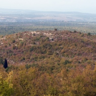 Pogled na gradinsko naselje Guvnine sa Šatorove gomile