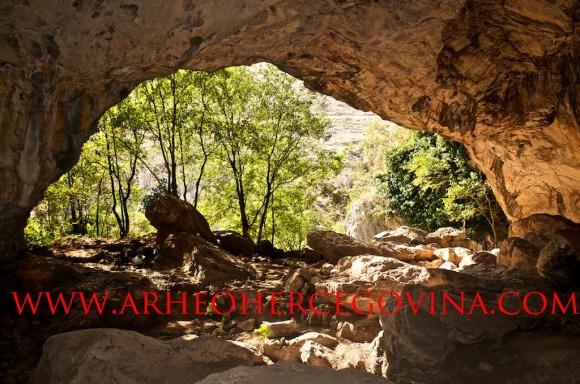 Ravlića pećina, Tihaljina. Grude