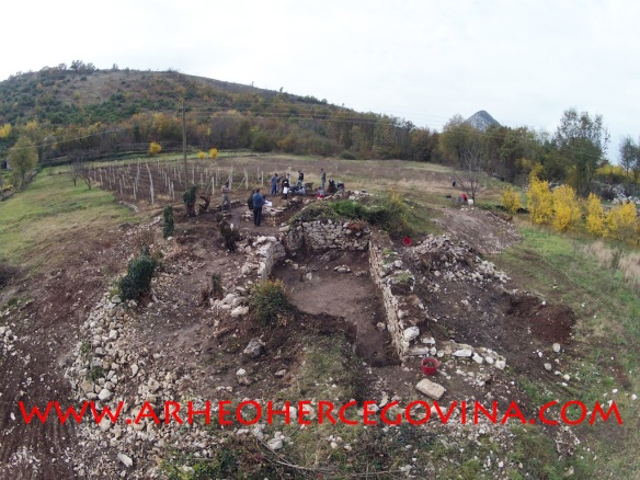 Kasnoantički kompleks u Docima, lokalitet Šipkova glavica (foto Z. Grizelj)