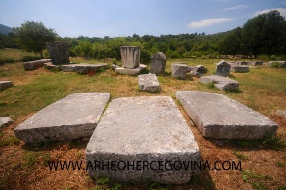 Srednjovjekovni nadgrobni spomenici Boljuni, Stolac