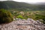 Pogled s gradine Osoje prema Krteljevcu, Gradini u Prćavcima i Crnom brdu.